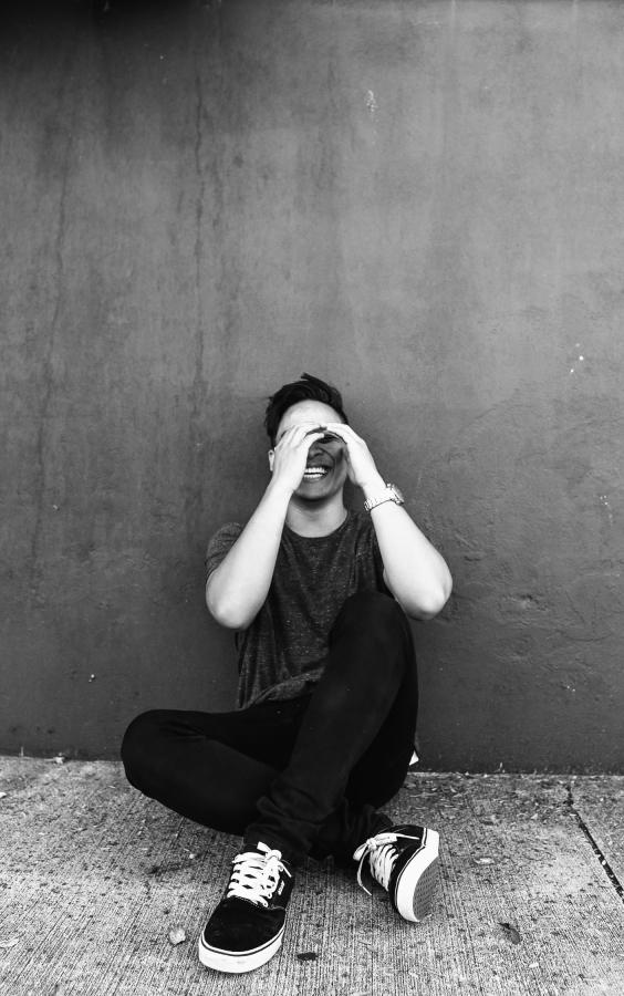 Jeune homme remplir de désespoir